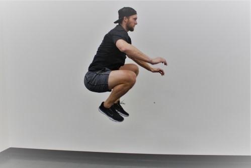 Ejercicios de pliometría - Tuck Jump