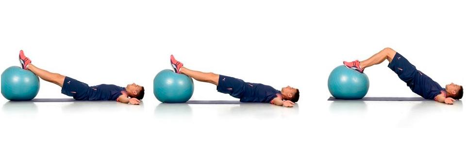 Uno de los ejercicios más intensos para trabajar los abdominales inferiores  es el que consiste en pasar el fitball de las manos a los pies. 171acca22364