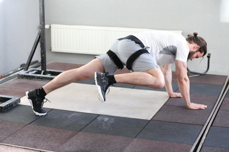 ¿Qué produce exactamente el entrenamiento oclusivo en el músculo?