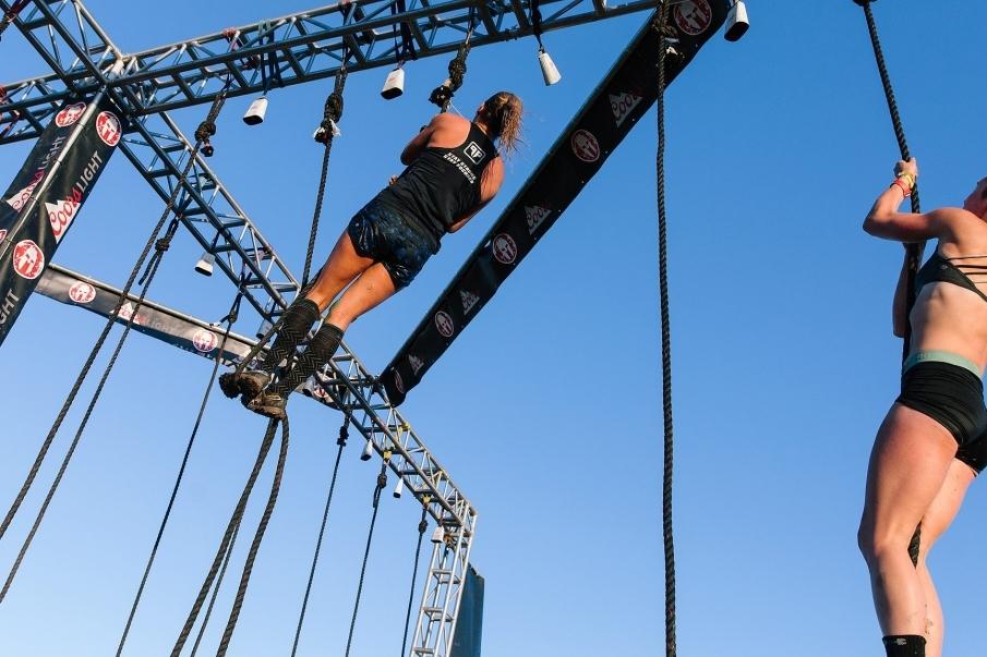 Tipos de obstáculos en las carreras OCR - Cuerda
