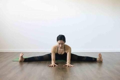 Upavistha konasana o postura del ángulo abierto